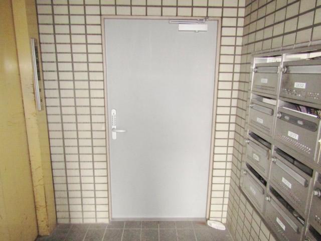愛知県名古屋市熱田区ステンレスドア取替工事【サッシ.NET】