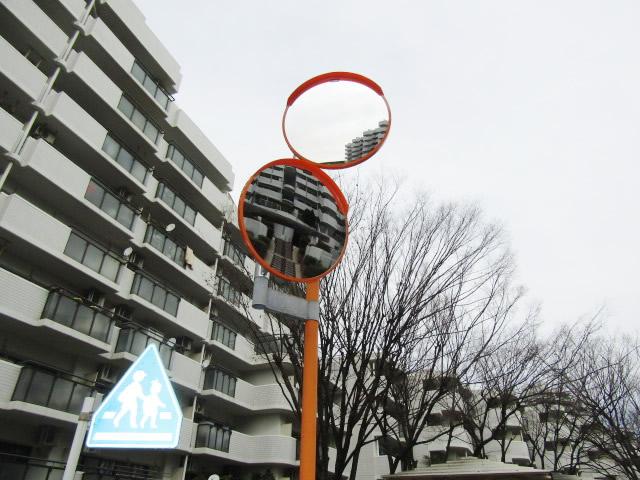 名古屋市千種区 カーブミラー補修工事 マンション駐車場