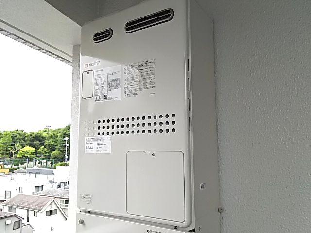 東京都新宿区ノーリツガス温水暖房付ふろ給湯器GTH-2444工事