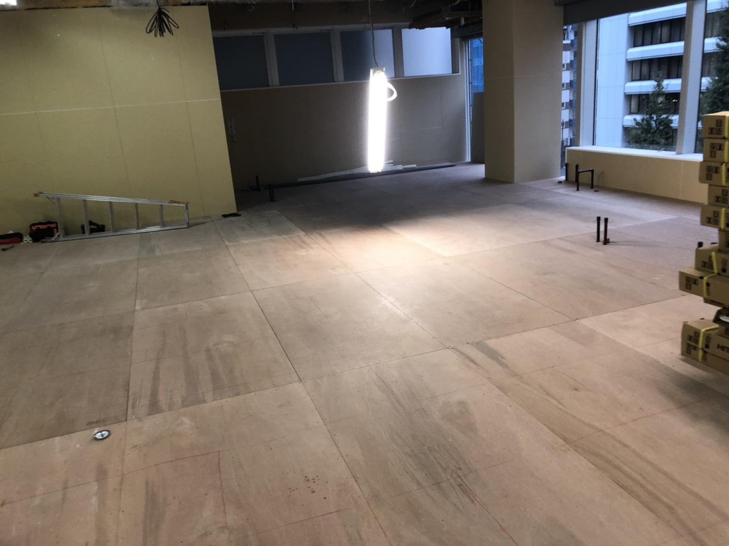 東京都中央区オフィスビル・フクビ置床工事