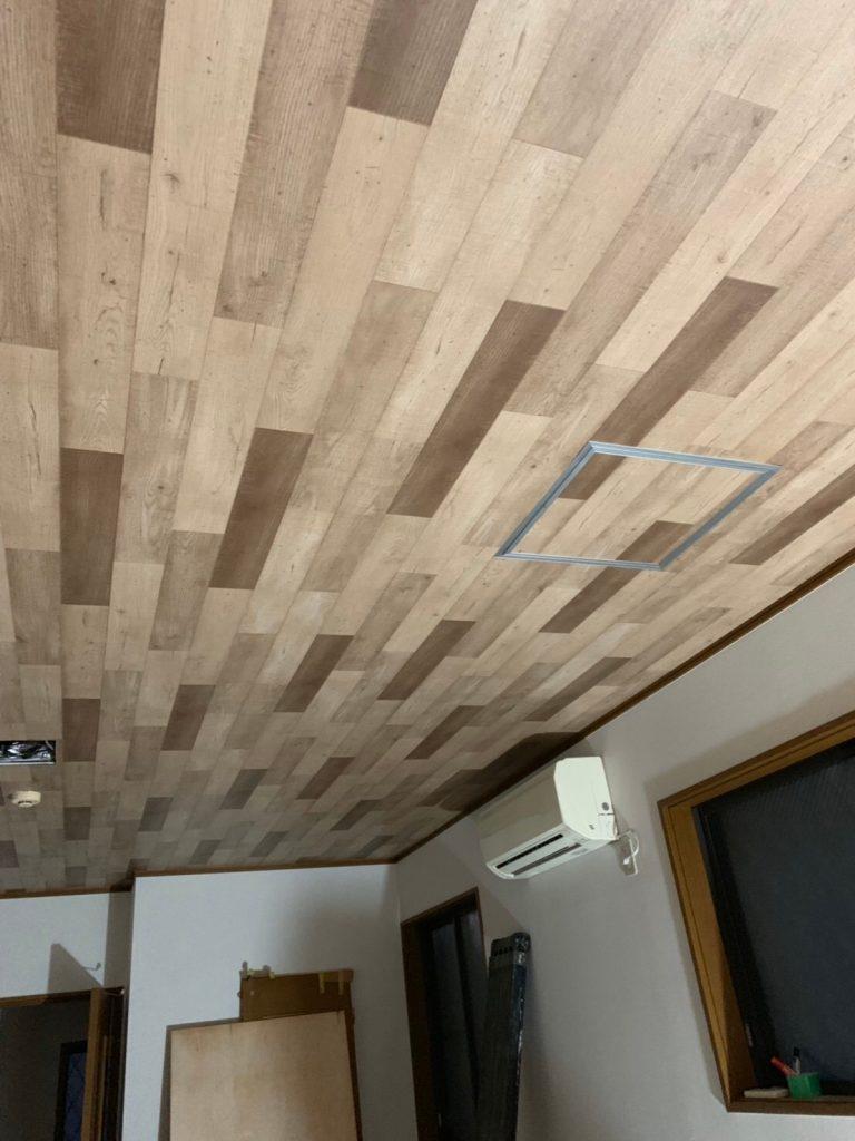 東京都八王子市アパート床・天井のリフォーム工事