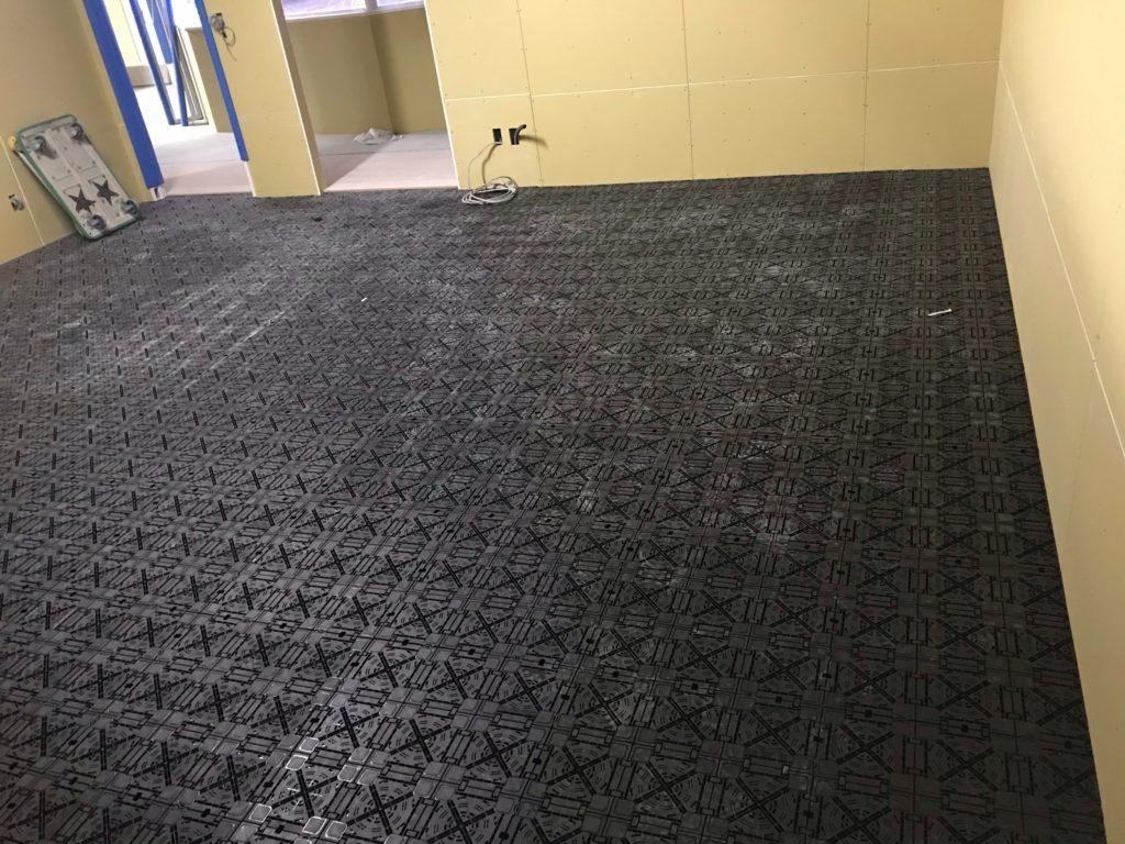 東京都渋谷区にて事務所の置床工事およびOAフロア工事