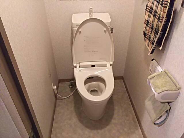 東京都練馬区トイレ交換工事LIXILアメージュZ+シャワートイレKA