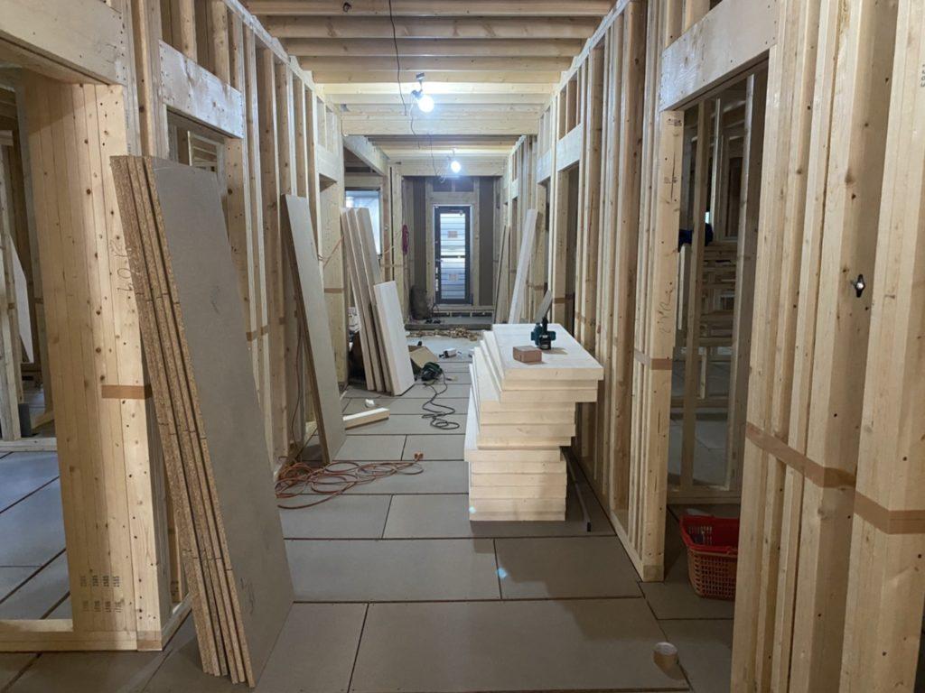神奈川県戸塚区にて新築介護施設の置床工事
