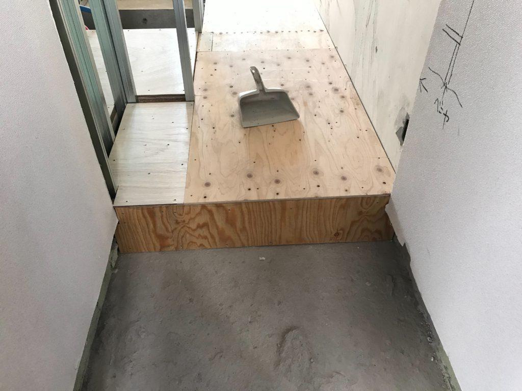 東京都品川区にてコーポ集合住宅の置床工事