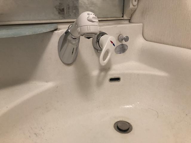 愛知県一宮市 壁付きシングルレバー混合水栓取替工事 パナソニックKVK