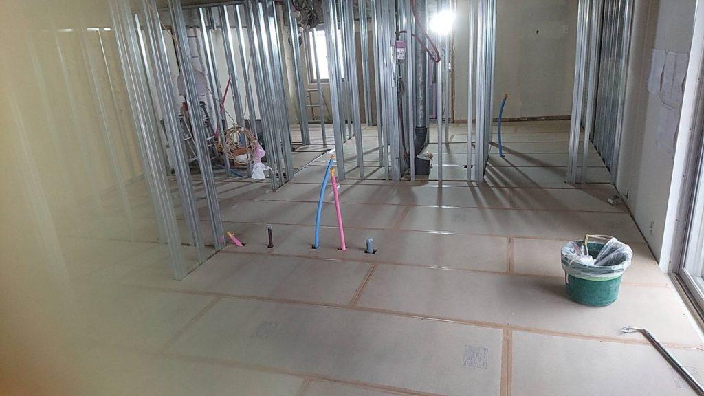 東京都品川区にてマンションの置床工事