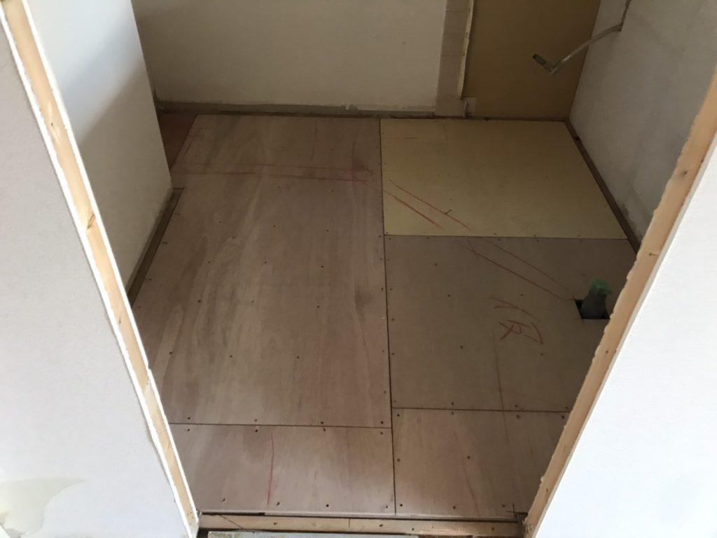 神奈川県相模原市にてマンションの置床工事