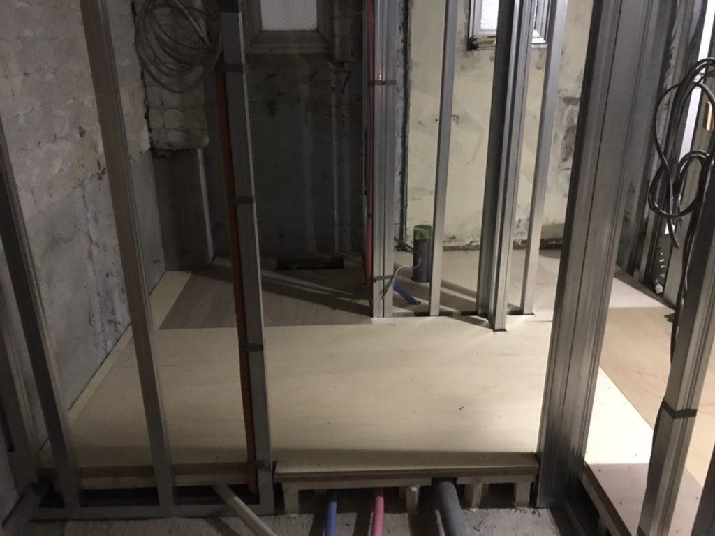 神奈川県川崎市にてマンションの置床工事