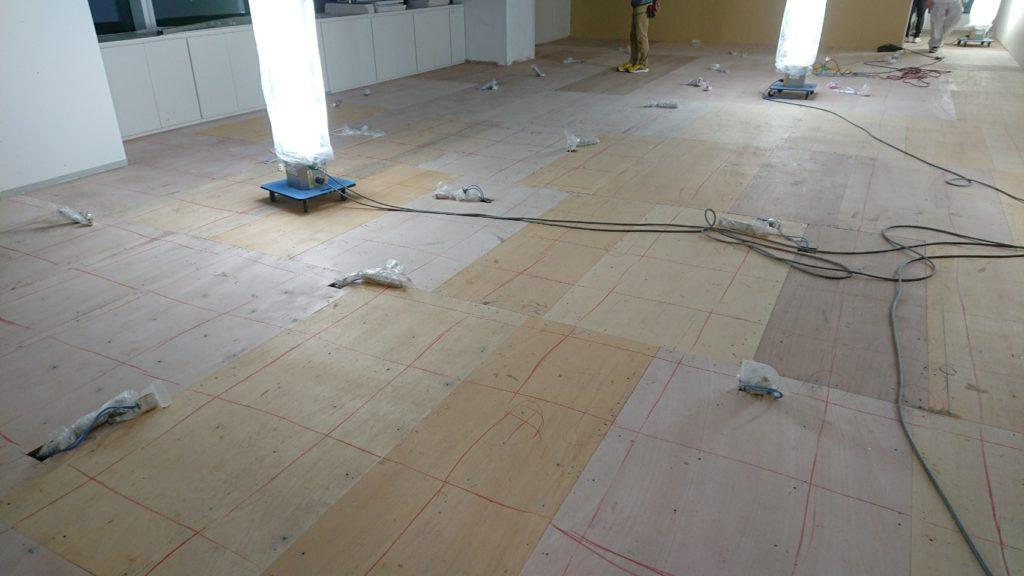 東京都千代田区にてオフィスビルの内装OAフロア工事
