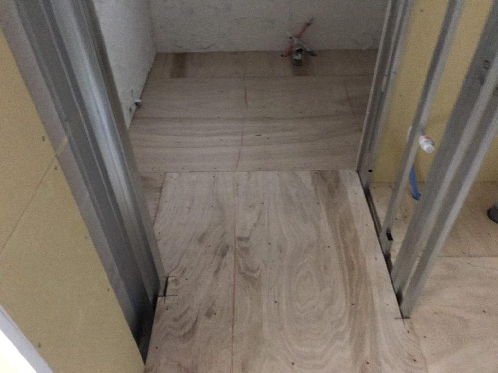 東京都港区にて美容院の置床工事