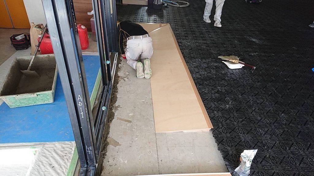東京都世田谷区にてビルのOAフロア工事