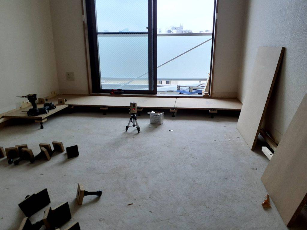 東京都品川区にてマンションにて置床工事を行いました。
