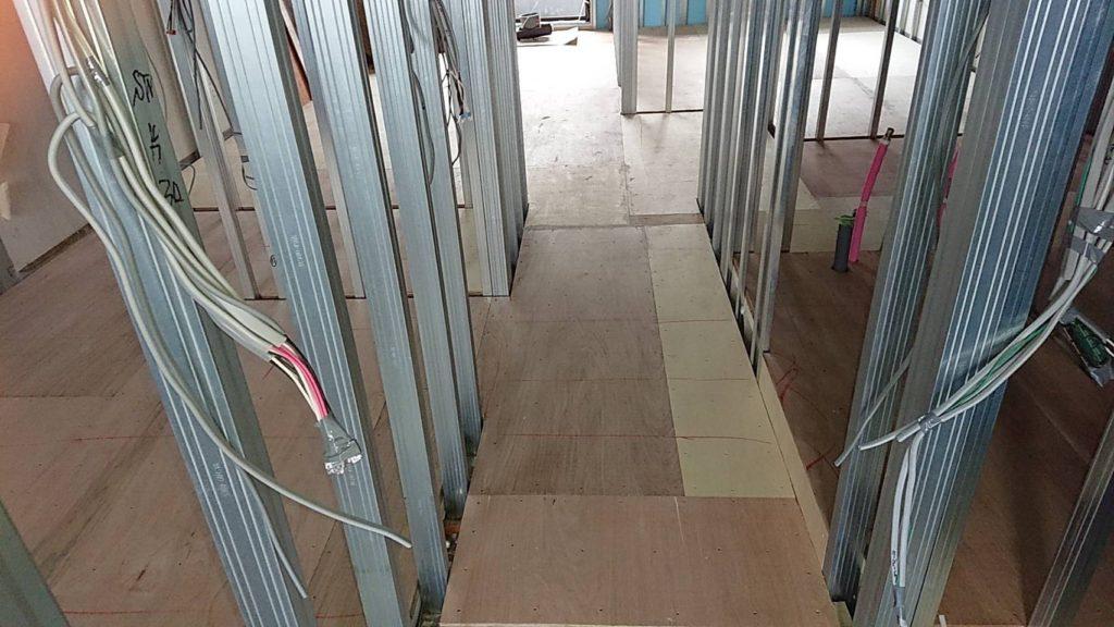 神奈川県川崎市中原区にてマンションの置床工事