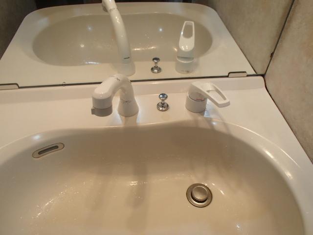 名古屋市中川区西中島 KVK 洗面シャワー水栓取替工事店 KM8007 洗面水栓施工事例
