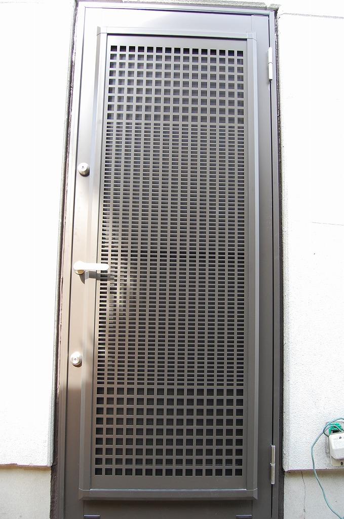 大府市 ホンダトーヨー 裏口ドアの防犯対策工事 2009/04/06