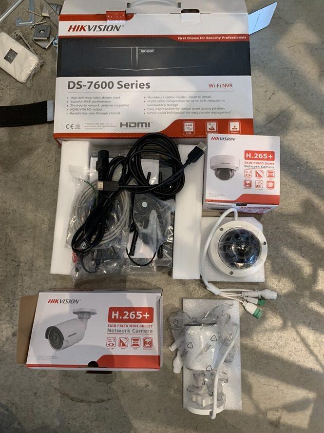名古屋市中区 IP防犯カメラ取付及びLAN配線の電気工事