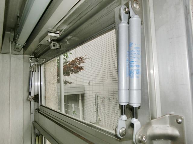 排煙窓開閉装置 開閉不具合による部品取替工事 名古屋市熱田区