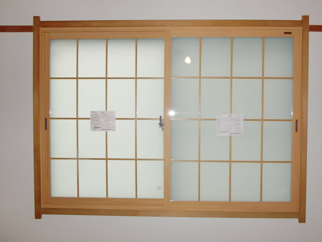 愛知県春日井市内窓インプラス取付工事LIXIL和紙調格子入り複層ガラス【サッシ.NET】
