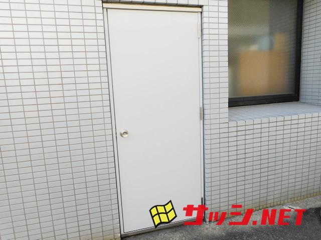 愛知県名古屋市中区片開きスチールドア取替工事【サッシ.NET】