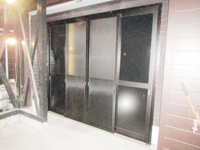 名古屋市港区 開き戸から引戸へ取替工事